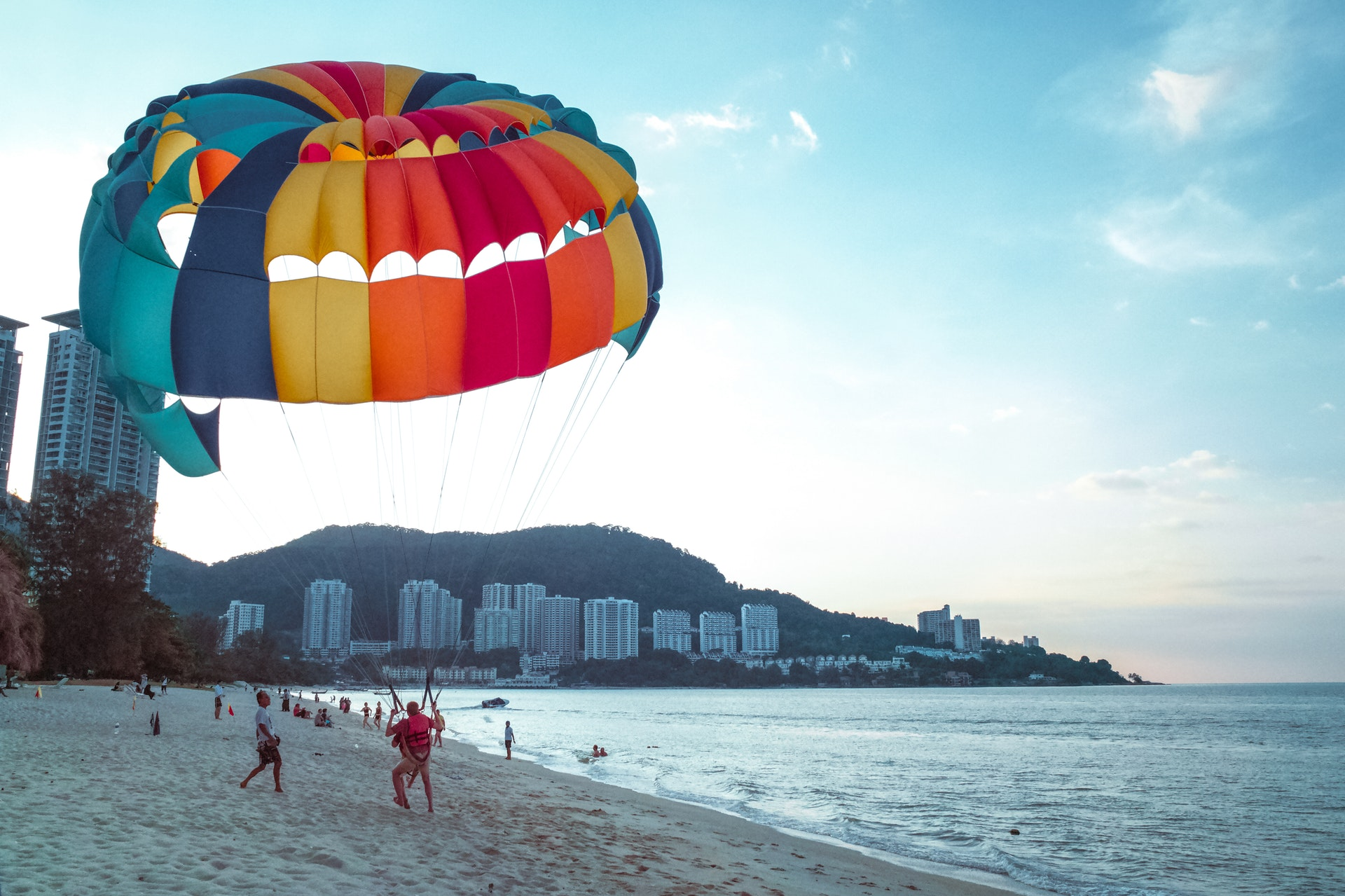 beach-coast-parachute-65310